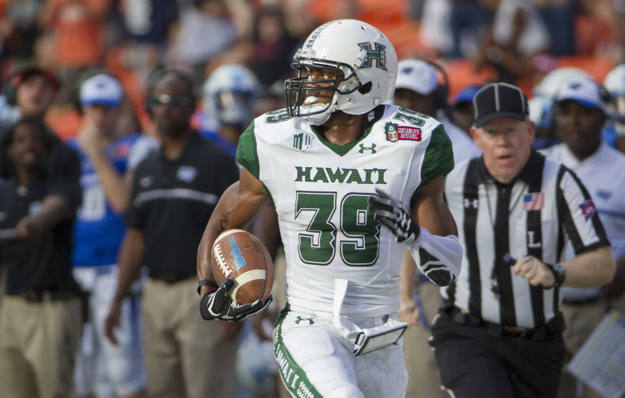 Hawaii defensive back Trayvon Henderson returned an interception for a touchdown in the win over Middle Tennessee. (AP Photo/Eugene Tanner)
