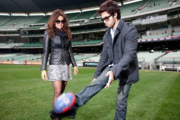 Shahid, Priyanka now in Melbourne