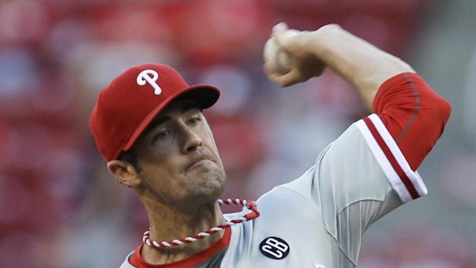Phillies end 6-game skid with 8-0 win over Reds