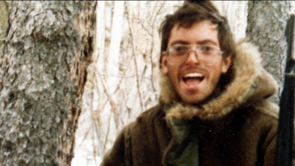 """the chris mccandless story the author's """"author's note"""" 1 by immediately establishing the fact that chris mccandless died in the  krakauer begins the story by detailing mccandless's flight from."""
