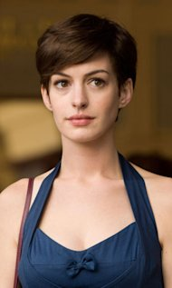Anne Hathaway Chops Off Her Hair For Les Miserable Film Role!