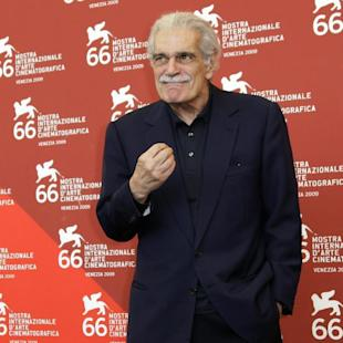 "FILE - In this Sept. 10, 2009, file photo, Egyptian actor Omar Sharif gestures during the photo call at the 66th edition of the Venice Film Festival in Venice, Italy. Legendary ""Lawrence of Arabia"" actor Sharif is battling Alzheimer's disease, his agent confirmed on Monday, May 25, 2015. His son, Tarek Sharif, revealed the diagnosis in an interview with Spanish newspaper El Mundo on May 23. (AP Photo/Joel Ryan, File)"