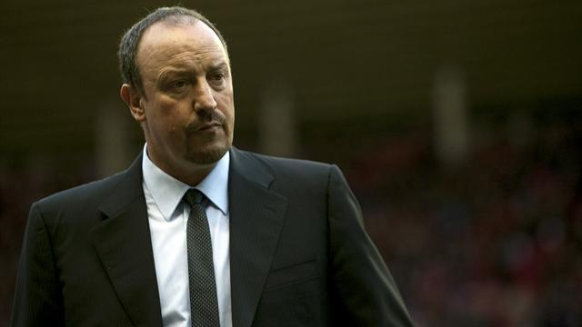 Football - Benitez won't be drawn into Warnock row