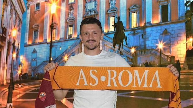 New Roma signing suffers long-term injury