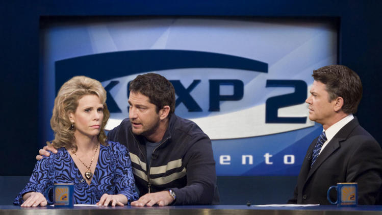 Cheryl Hines Gerard Butler John Michael Higgins The Ugly Truth Production Stills Columbia Pictures 2009