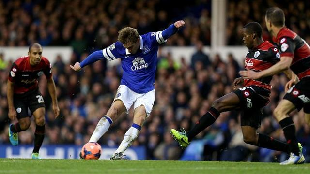 Football - Martinez keen to keep Jelavic