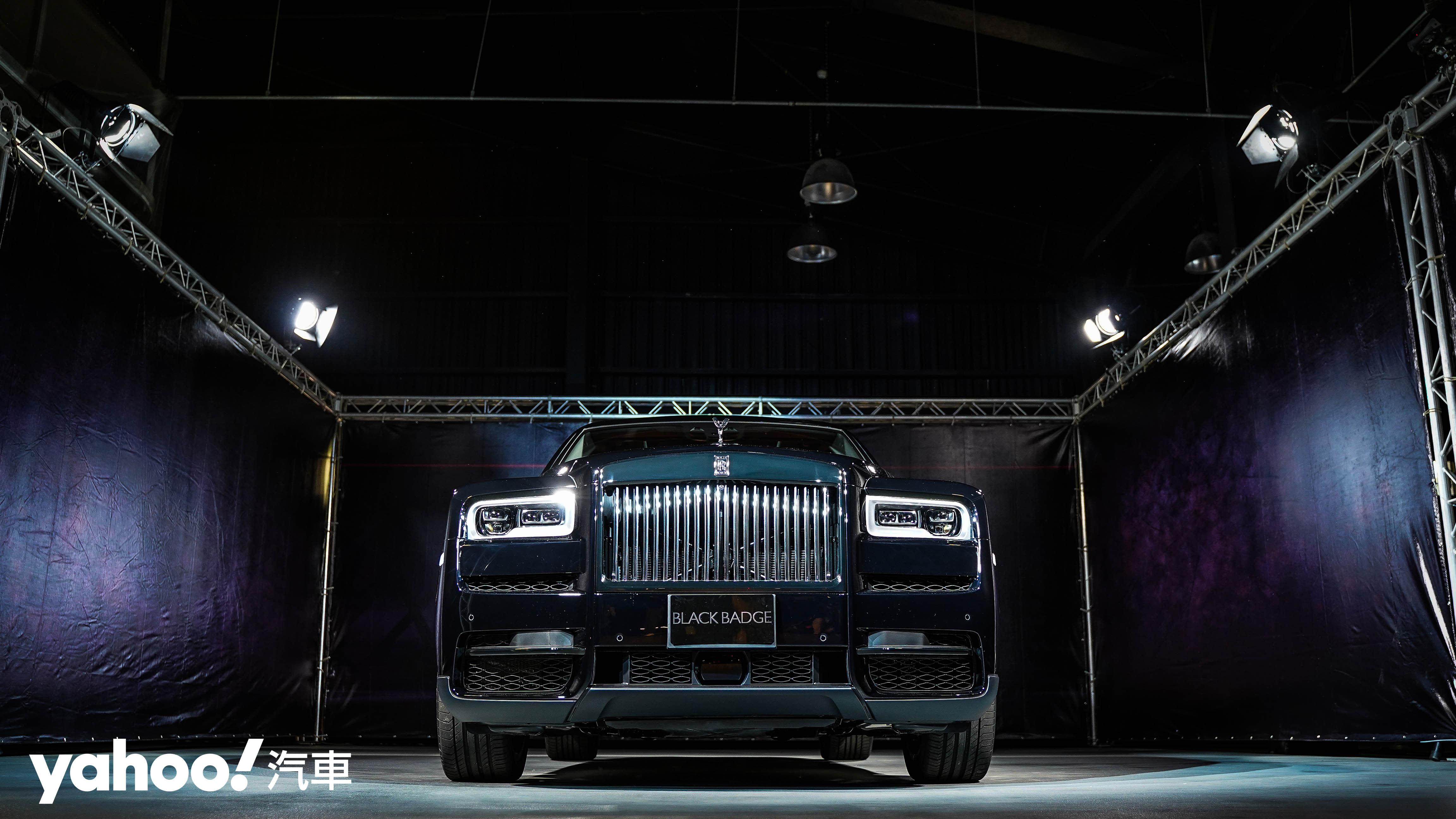 【新車圖輯】夜色主宰者!Rolls-Royce Cullinan Black Badge 暗夜女神降臨