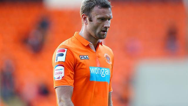 Football - Bone bruising rules out Evatt