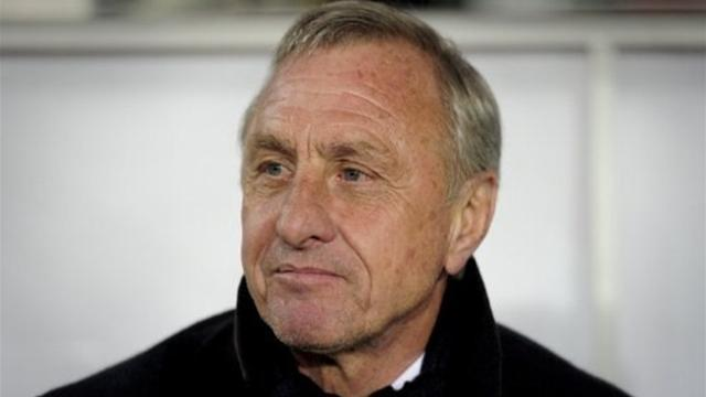 Cruyff steadies Chivas as heads roll in Mexico