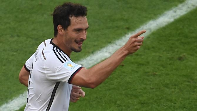 World Cup - Hummels re-injures knee but expects to be ready for final