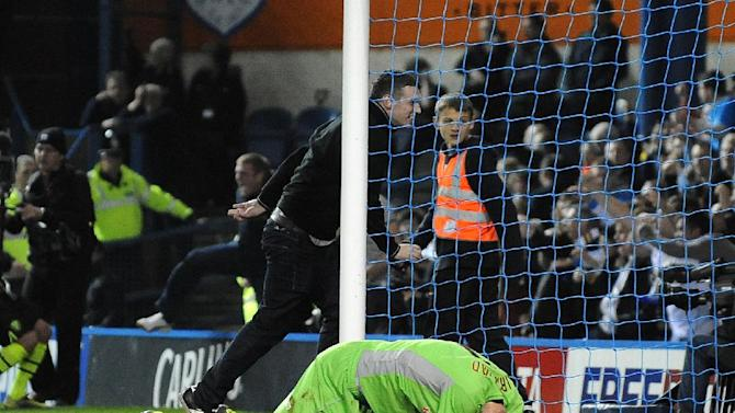 Dave Jones called for Leeds fans to be banned after Chris Kirkland, pictured, was attacked