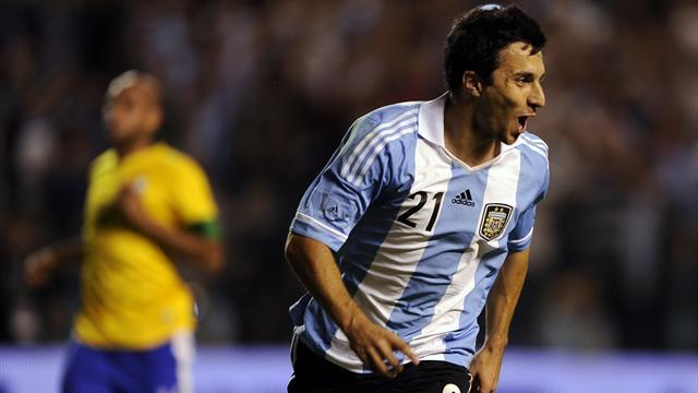 South American Football - Internacional reach deal for Scocco