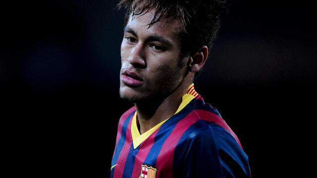 Liga - Barcelona angry after Rosell targeted over Neymar contract