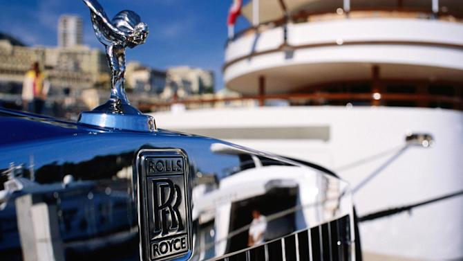 Russians dumping rubles for...Rolls Royces?
