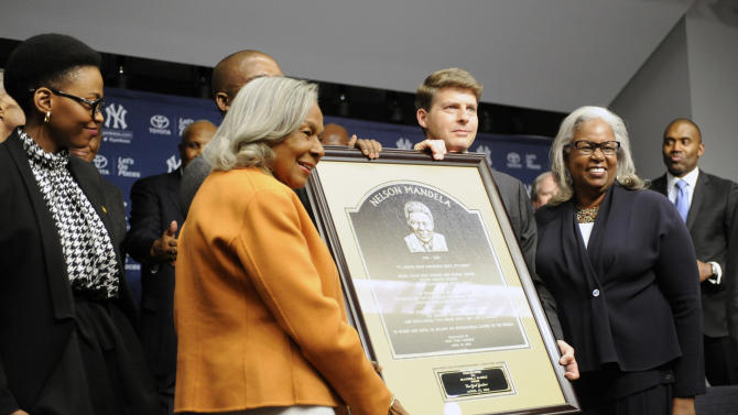 Yankees unveil plaque for Nelson Mandela