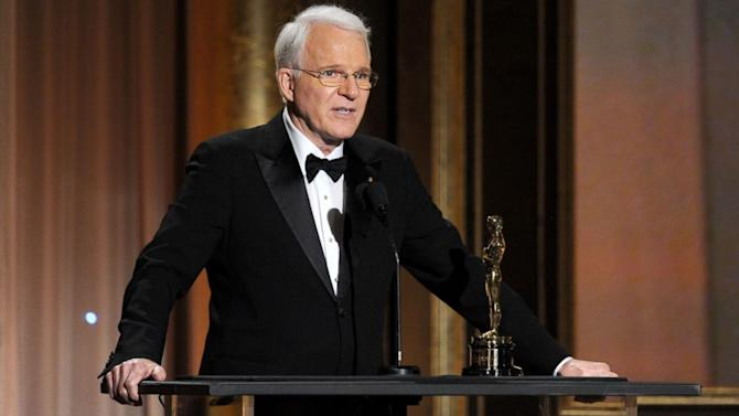 Steve Martin Fully Explains His 'Offensive' Tweet
