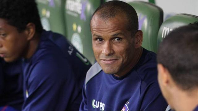 World Football - Forty-year-olds Rivaldo, Rogerio score in Brazil