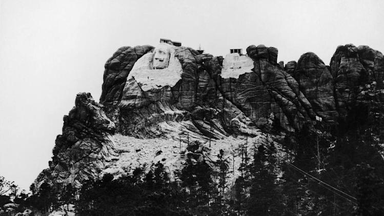 The history of mount rushmore for Mount rushmore history facts
