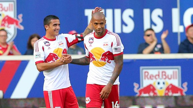 Friendly match - Henry's Red Bulls narrowly beat Arsenal