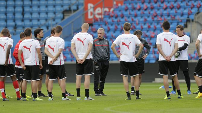 Ottmar Hitzfeld, coach of the Swiss national soccer team, attends training session in Ullevaal stadium in Oslo, Monday, September 9, 2013, the day bedfore before the upcoming FIFA World Cup 2014 qualifying football match between Norway and Switzerland.
