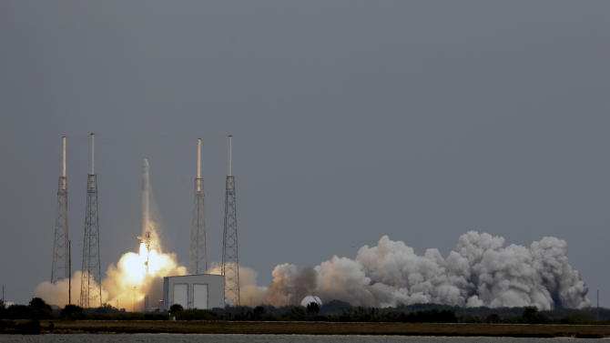 The Falcon 9 SpaceX rocket lifts off from launch complex 40 at the Cape Canaveral Air Force Station in Cape Canaveral, Fla., Friday, March 1, 2013. The rocket is transporting the Dragon capsule to the International Space Station containing more than a ton of food, tools, computer hardware and science experiments. (AP Photo/John Raoux)