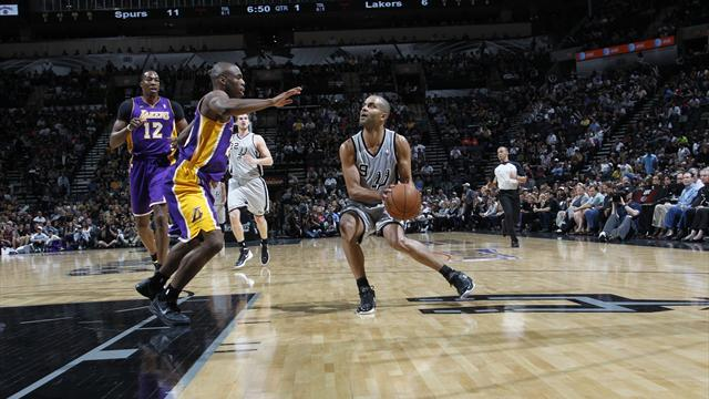 NBA - Spurs open play-off series with easy win over Lakers