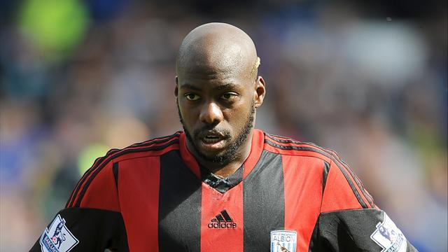 Premier League - Mulumbu escapes fine over comments