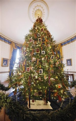 The 2011 official White House Christmas Tree.