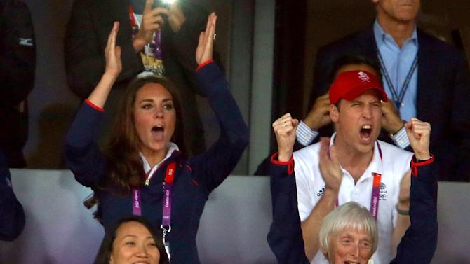 Kate and Will cheer
