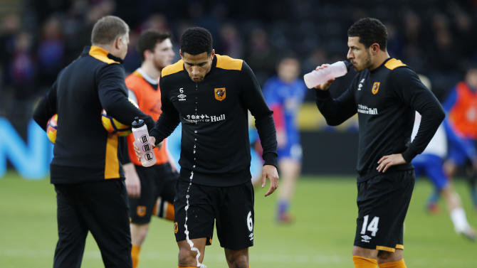 Hull City's Curtis Davies and Jake Livermore during the warm up before the match