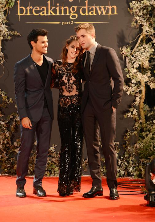Kristen Stewart wows at final UK Twilight premiere