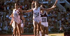 Seb Coe beats rival Steve Ovett in the 1980 1500m final - 0