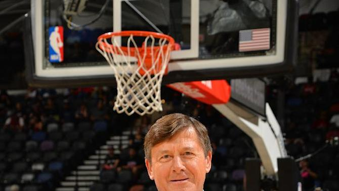 Announcer Craig Sager returns from leukemia to NBA sideline