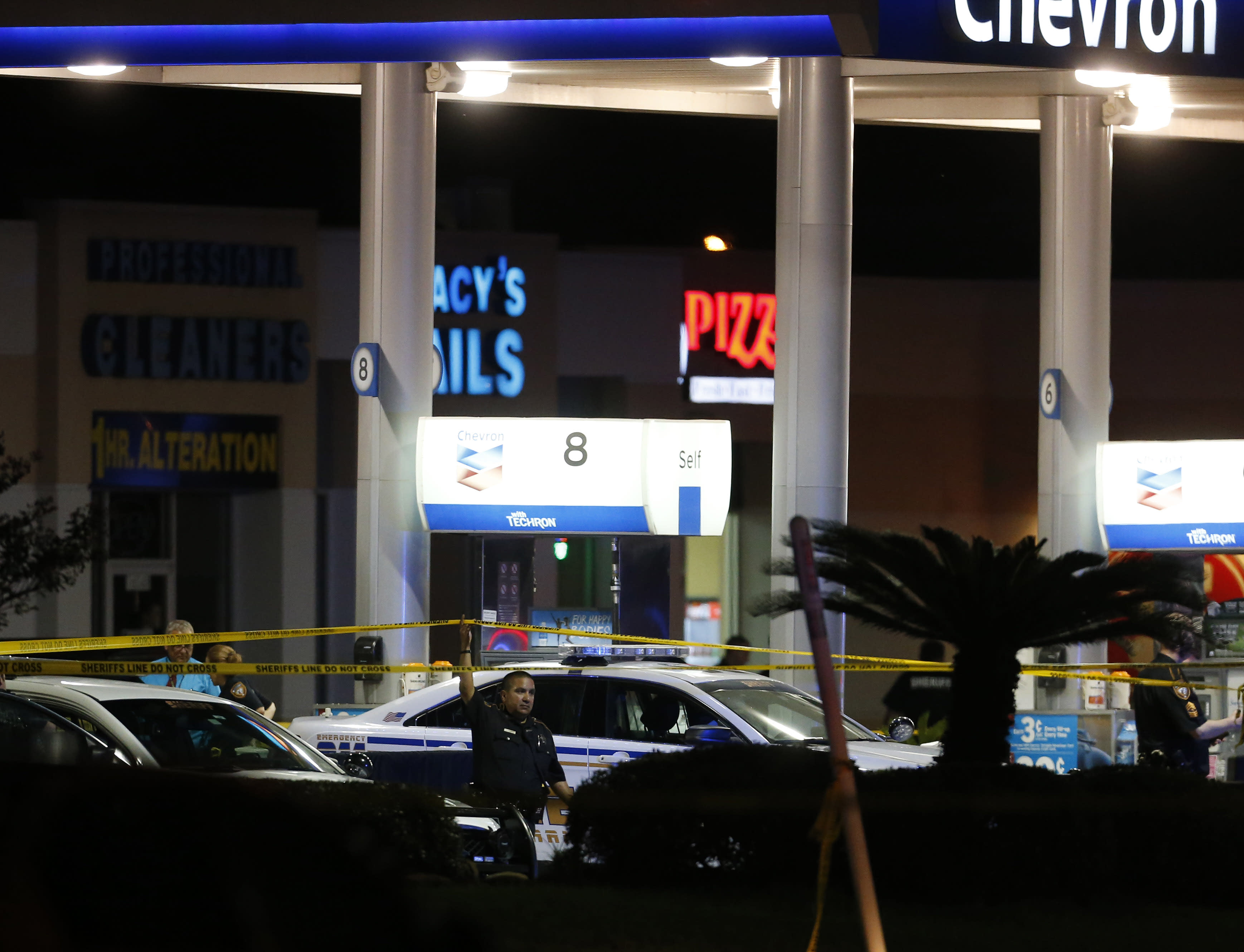 Sheriff's deputy fatally shot in Houston while pumping gas