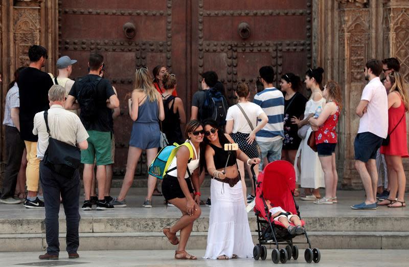 España recibe 10,2 millones de turistas en agosto