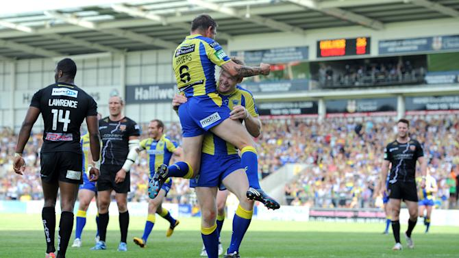 Rugby League - Tetley's Challenge Cup, Quarter Final - Warrington Wolves v Huddersfield Giants - Halliwell Jones Stadium