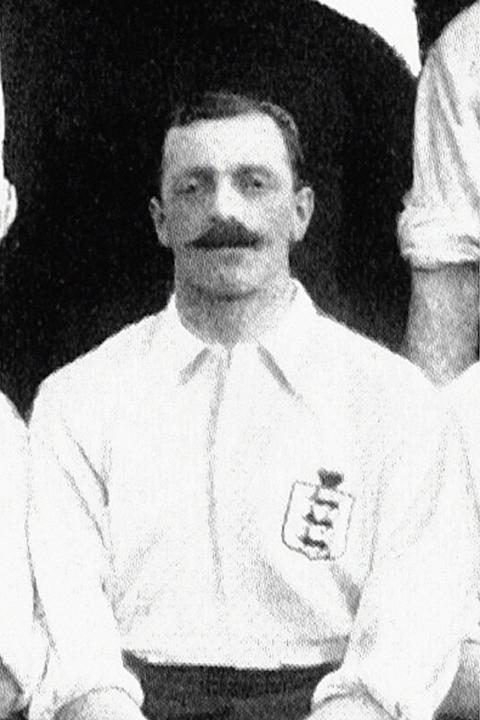 10= - Bob Crompton - 22 caps as captain - Pictured 1912