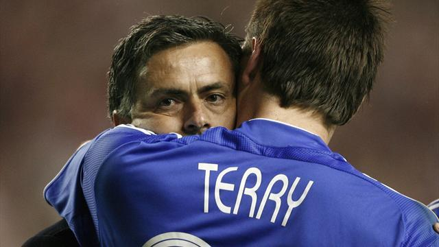Premier League - Mourinho will do Terry no favours
