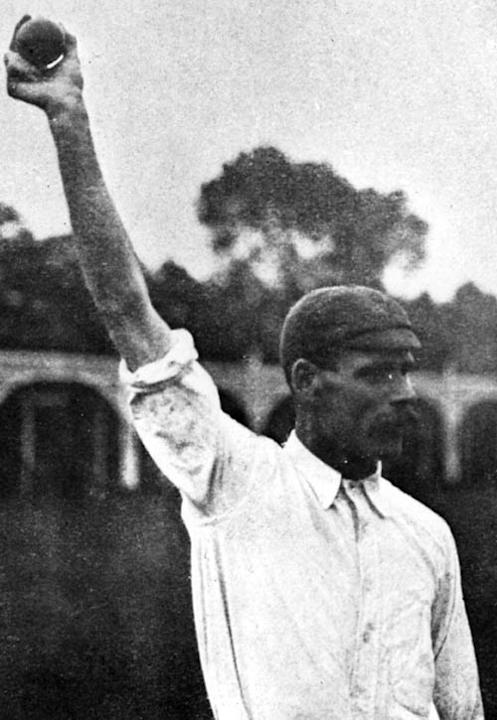 Circa 1920:  Sydney Barnes demonstrates his bowling action.