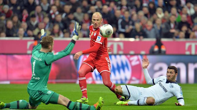Madrid 1st in AP soccer poll, Robben top player