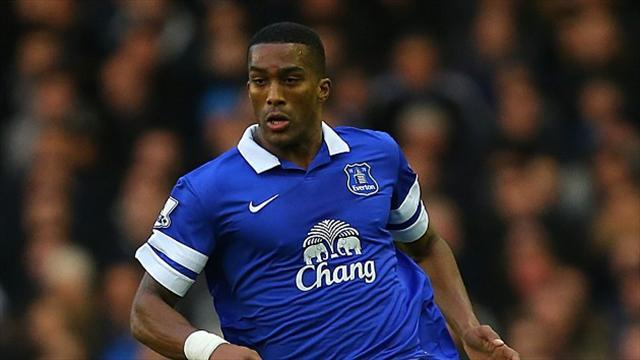 Premier League - Everton could lose Distin for rest of season
