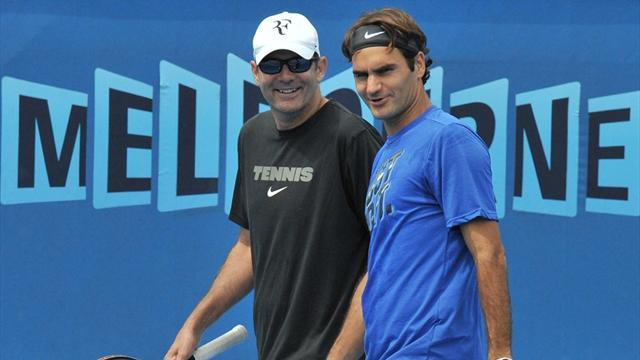 Australian Open - Rested Federer aims to go deep in Melbourne