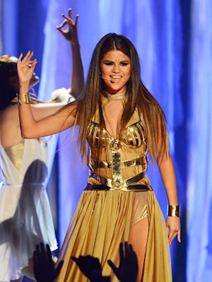 Selena Gomez Rocks Sexy Gold Bodice at Billboard Music Awards