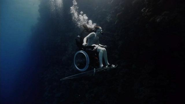 Wheelchair-Bound Woman Soars Underwater