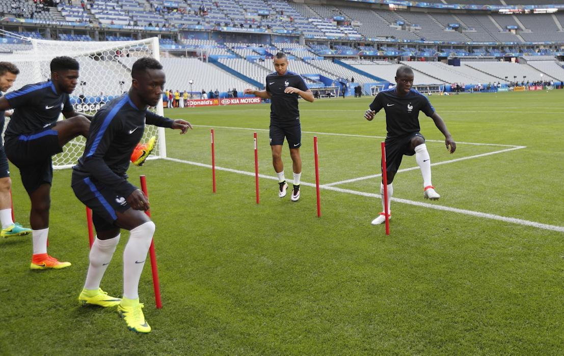 France's N'Golo Kante (R) during training