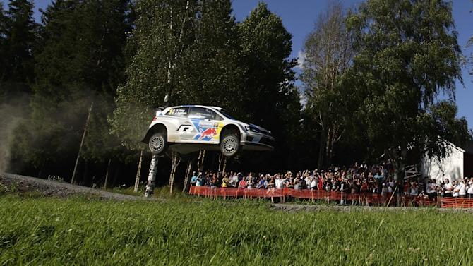 Finland Rally - Ogier reels in Latvala in Finland
