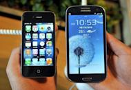 Unlike a host of flagship Android handsets, the iPhone 5S only has a 4-inch display