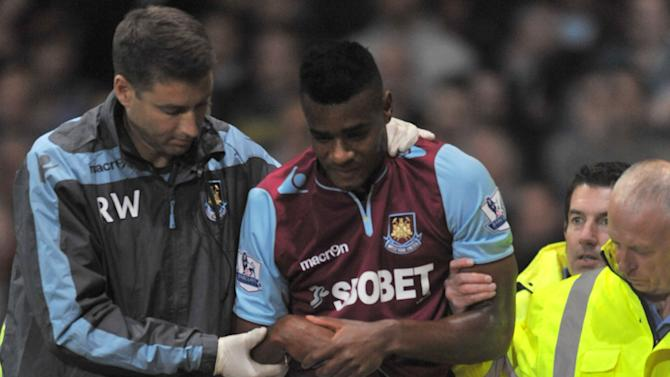 Ricardo Vaz Te, right, suffered a shoulder injury after an awkaward fall