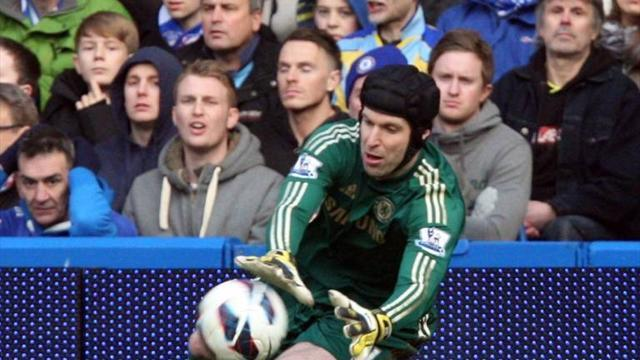 Football - Cech rues late Liverpool goal