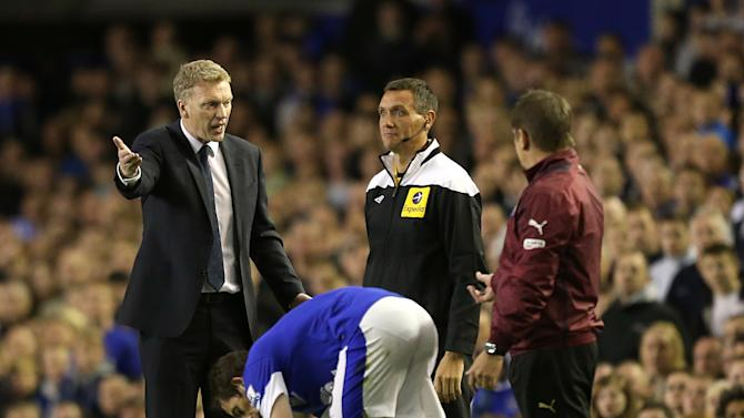 David Moyes, left, says two disputed decisions cost Everton dearly